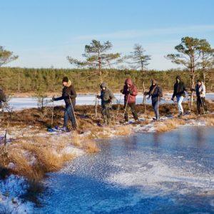 Rabamatkajad Talvel Laugaste ääres